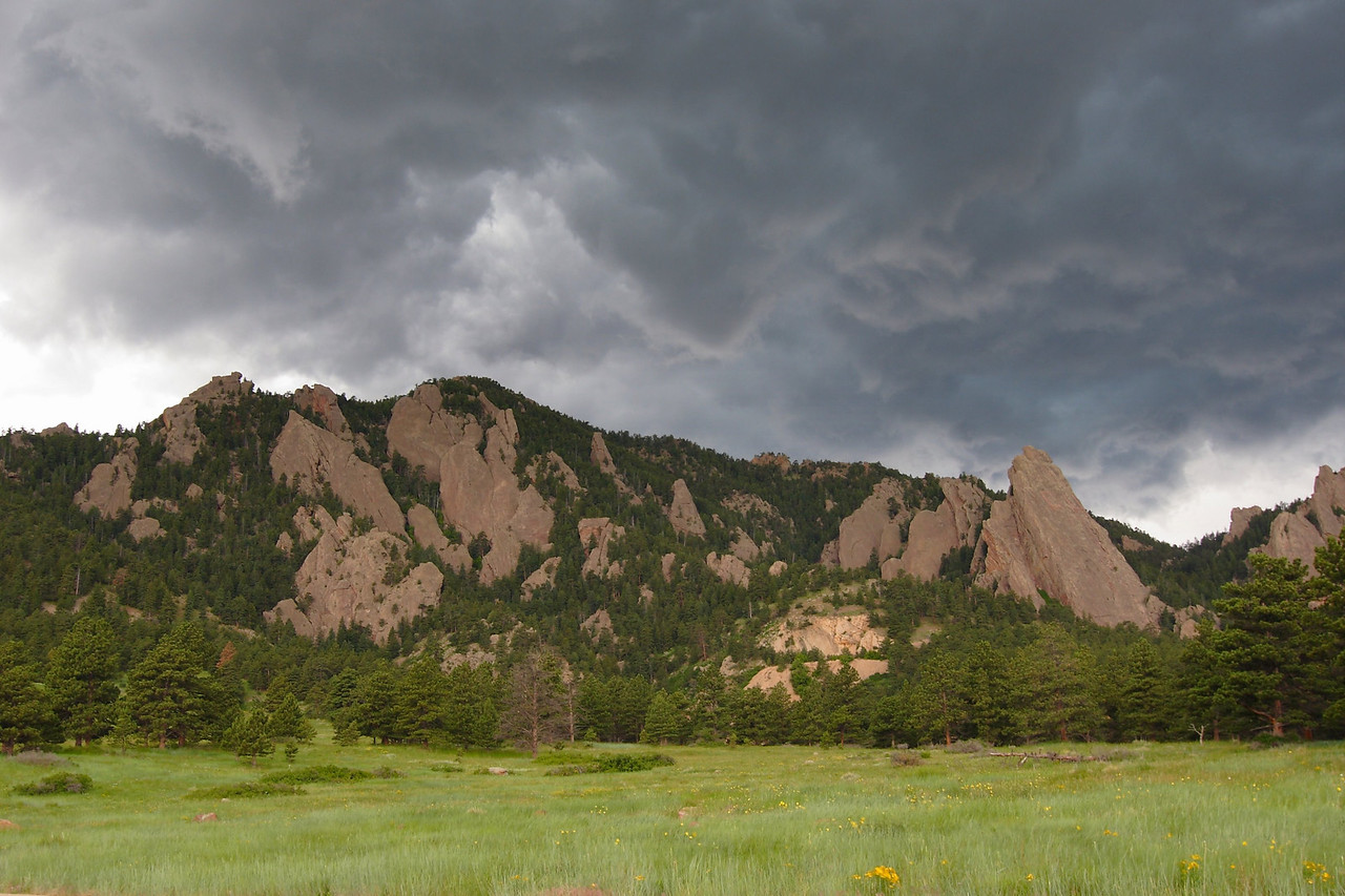 Afternoon thunderstorm building in the Colorado Front Range